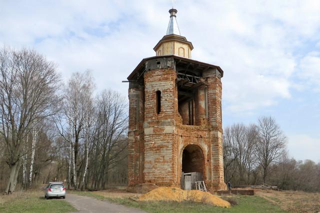 Колокольня бывшего Николаевского Каташинского монастыря
