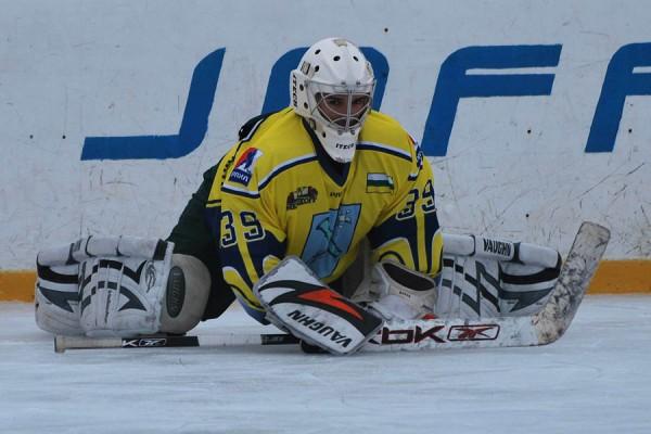 Алексей Масенков - лучший вратарь турнира. Фото: Н.Вележев