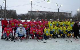 Хоккейные команды Клинцов и Новозыбкова. После матча.