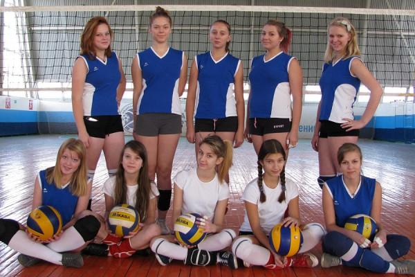 Команда девушек Новозыбкова. Фото: И.Янкевичус