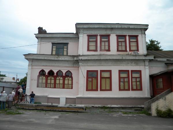 Левая сторона здания