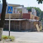 Угловая часть строящегося ТЦ. Фото: А.Дмитроченко
