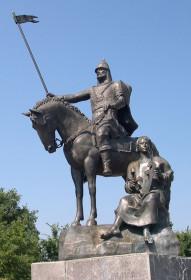 Памятник Пересвету в Брянске