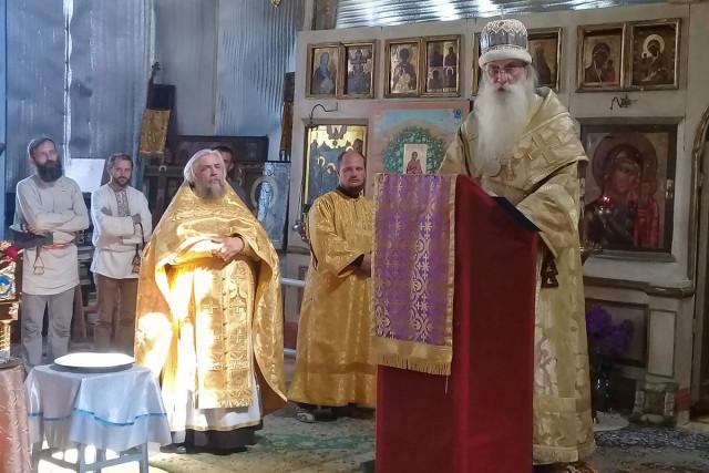 Митрополит Корнилий в Никольско-Рождественском храме г. Новозыбкова