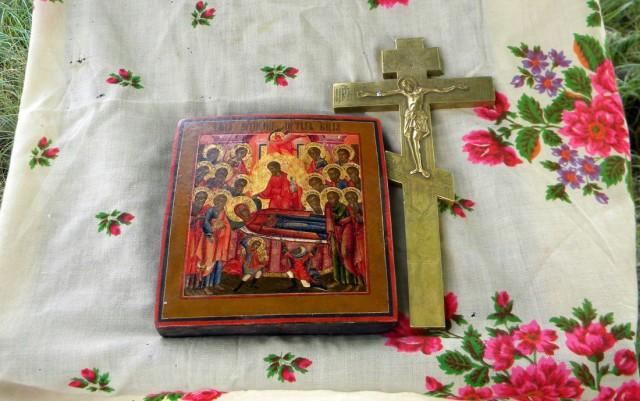 Икона и крест