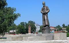 Новозыбков. Памятник П.Е.Дыбенко