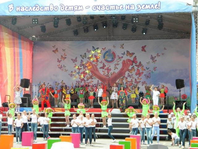 Выступление детских коллективов
