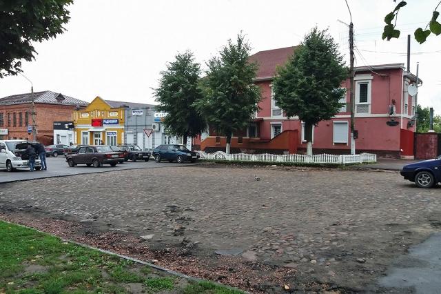 Булыжник на центральной площади Новозыбкова