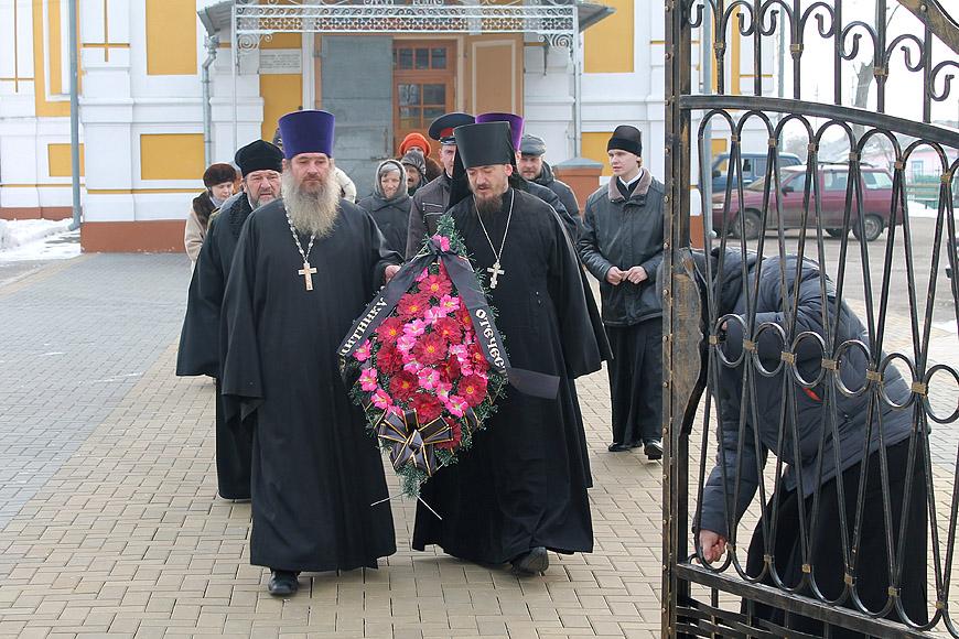 http://www.novozybkov.ru/photo/glaz-naroda/20130223venok/0.jpg
