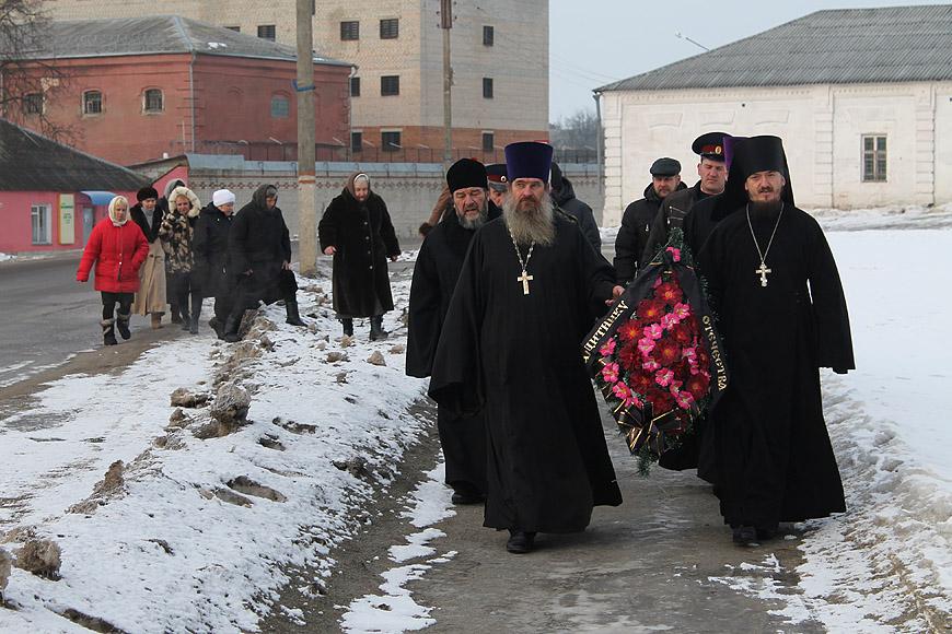 http://www.novozybkov.ru/photo/glaz-naroda/20130223venok/3.jpg