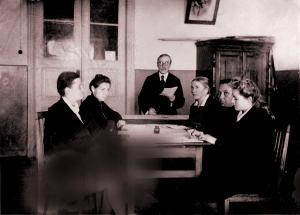 Заседание кафедры русского языка НГПИ, 1948 г.