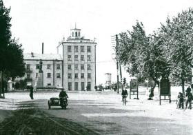 Площадь Октябрьской революции, 1960-е гг. Фото: К.Попов