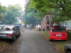 У ворот храма