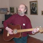 Поет К.Попов,  2000г