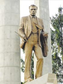 Памятник Р.Алексееву в Нижнем Новгороде