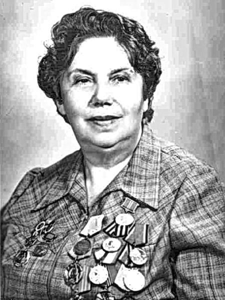 Даня Львовна Карасик (фото 1987 года)