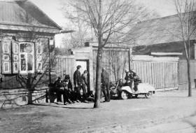 Лавочка у дома по улице Ново-Цветной. Фото из архива А.Фаранова