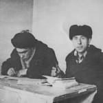 60-е  годы.  В прорабской Пашков С.И  с мастером Половинко