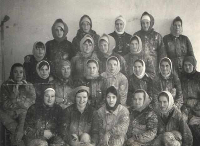 Бригада отделочниц (60-е годы).  В центре  - бригадир  Голыго А.И.