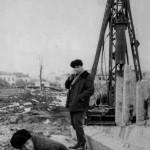 Строительство здания горкома (70-е, ныне - муз.школа). Стоит Пашков С.И. - прораб СМУ