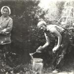 80-е года Голыго А.И. (слева)   и  Горленко  Валя. Ремонт  д.сада №13