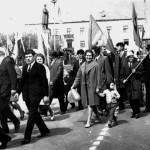 На демонстрации  В центре-Пашкова Л.И. с сыном Олегом