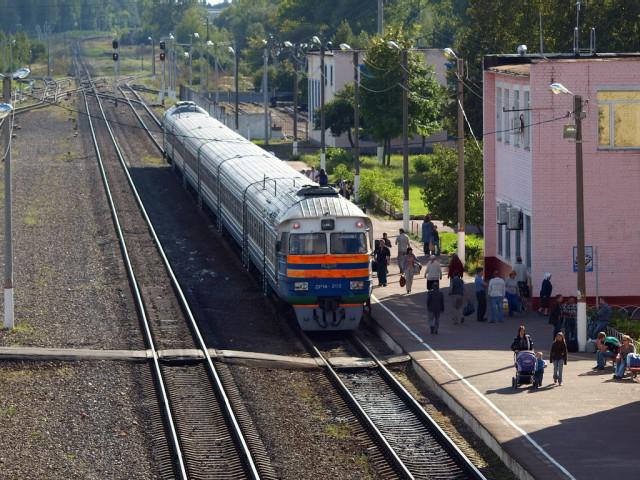 Поезд Новозыбков-Гомель на станции Новозыбков