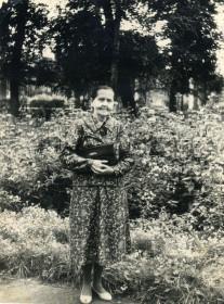 Мастюгина К.П. в парке отдыха в Новозыбкове