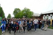 Массовый оздоровительный забег, 2004 год. Справа в кепке - И.Нестеров. Фото: А.Таловерко